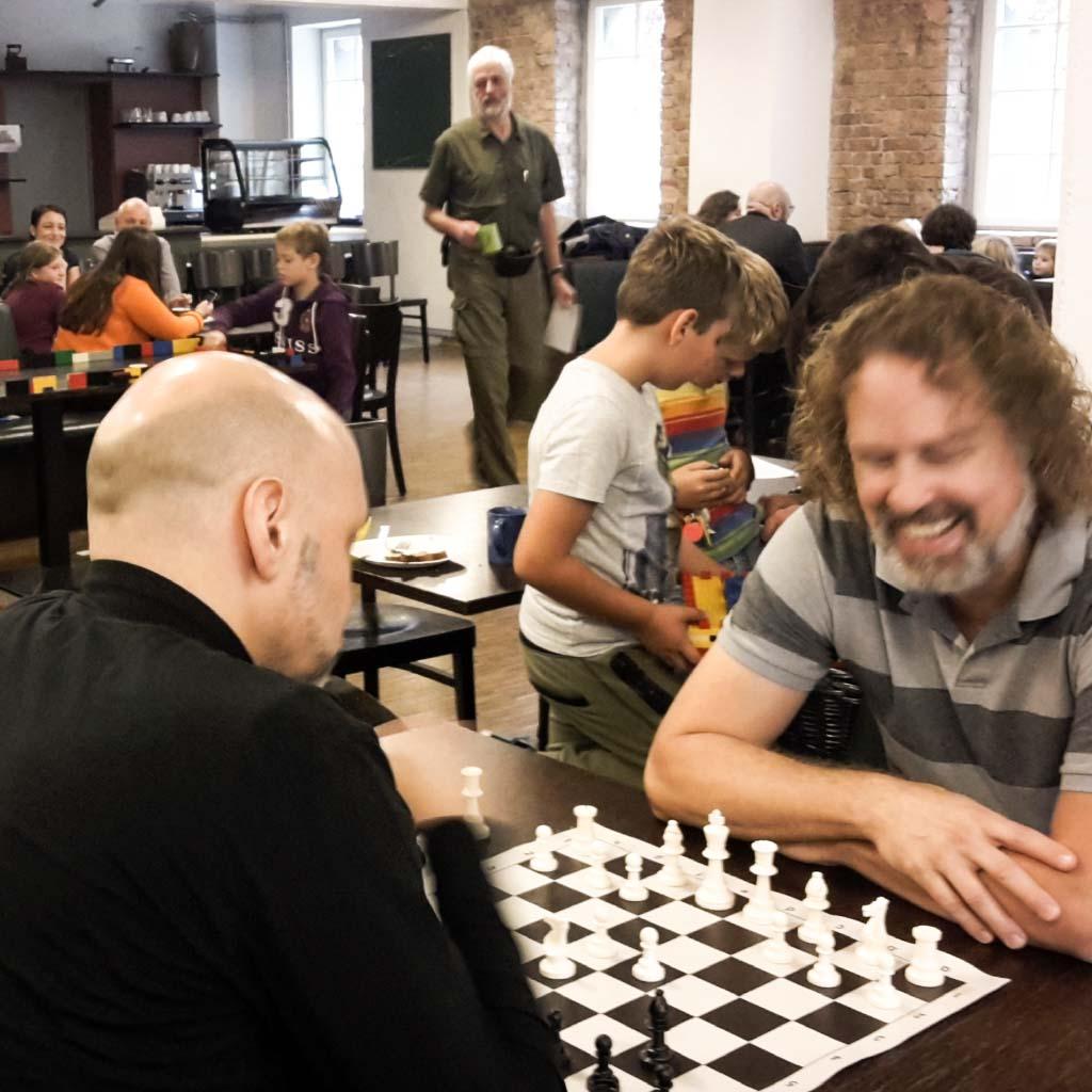 pankow-kirchehoch3-feg-gemeinschaft-Gottesdienst-spielen